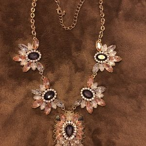 Jewelry - Woman's Necklace